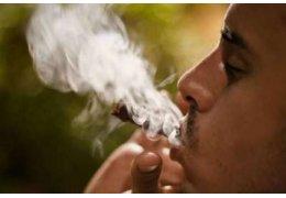 Rauchende Eltern legen den Grundstein für ihre Kinder